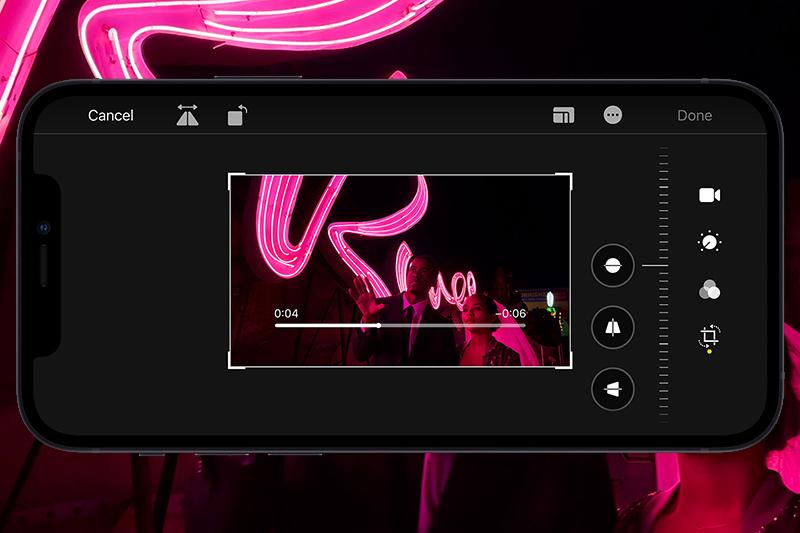 iPhone 12 Mini 128 GB | Camera sau có khả năng quay video 4K Dolby Vision và chụp ảnh HDR siêu chi tiết.