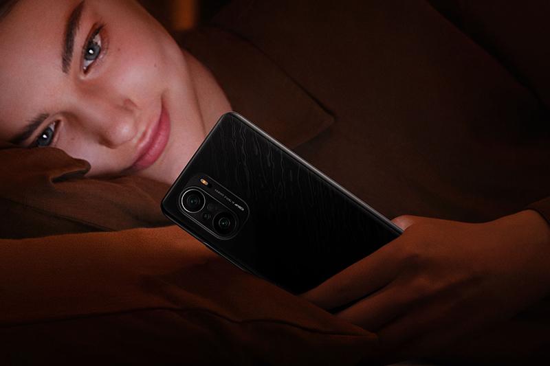 Xiaomi Redmi K40 Pro | Hỗ trợ sạc nhanh 33 W thông qua cổng Type-C