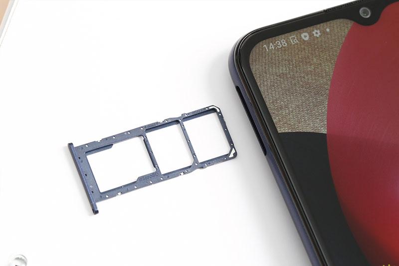 Hỗ trợ mở rộng dung lượng qua thẻ nhớ MicroSD | Samsung Galaxy A02s