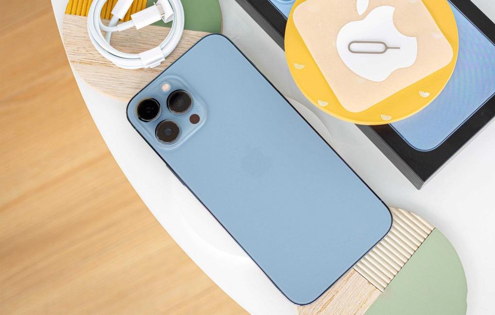 Thiết kế vuông vức đặc trưng - iPhone 13 Pro Max 128GB