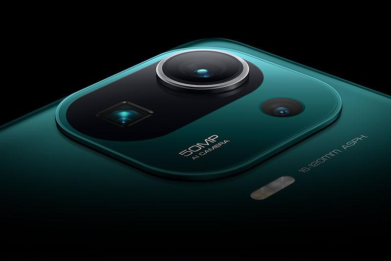 Xiaomi Mi 11 Pro | Sở hữu dàn máy ảnh gồm 3 camera phân giải cao