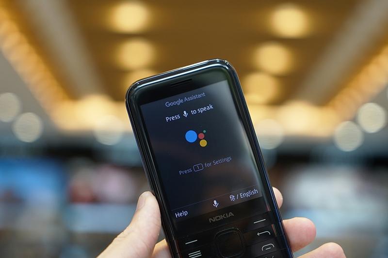 Hỗ trợ trợ lý ảo Google Assistant | Nokia 8000 4G