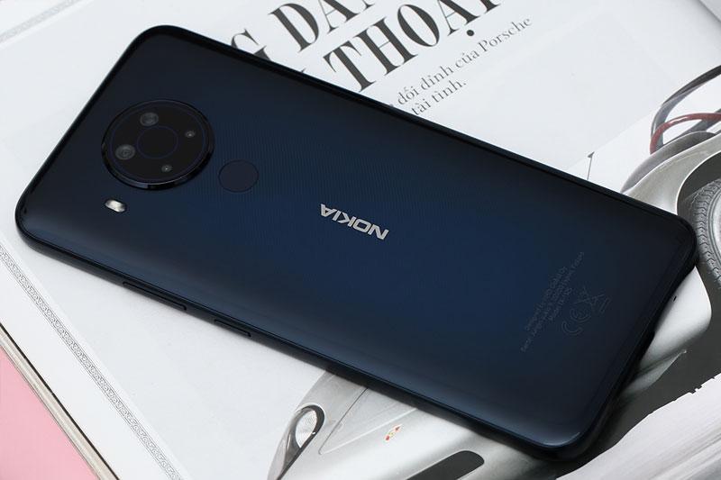 Điện thoại Nokia 5.4 | Thiết kế nguyên khối bền bỉ chắc chắn