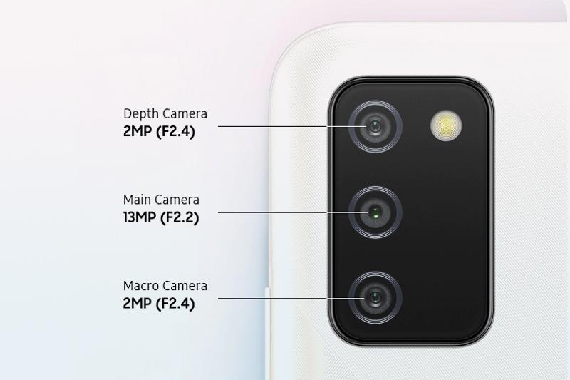 Samsung Galaxy A02s (4GB/64GB) | Cụm camera sau thiết kế hình chữ nhật độc đáo