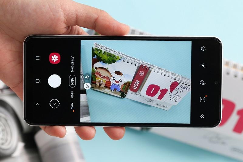 Điện thoại Samsung Galaxy A12 (6 GB/128 GB) | Xóa phông tự nhiên, làm nổi bật chủ thể