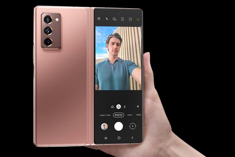 Điện thoại Samsung Galaxy Z Fold2 5G - Chụp hình selfie cực đỉnh với cài đặt thông minh AI