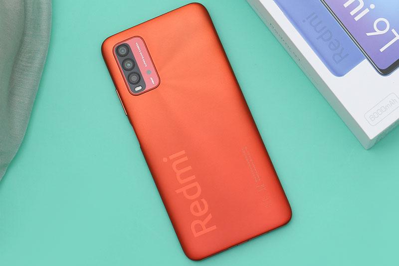 Xiaomi Redmi 9T | Thiết kế mặt lưng với họa tiết kẻ sọc