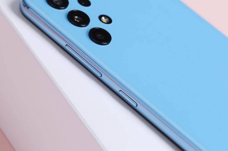 Điện thoại Samsung Galaxy A32 4G | Thiết kế cạnh bên