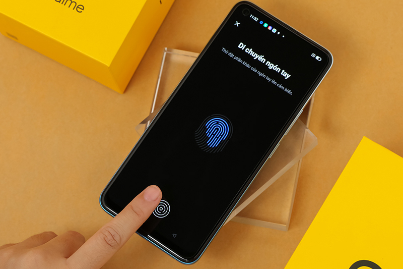 Điện thoại Realme 8 Pro | Cảm biến vân tay trong màn hình
