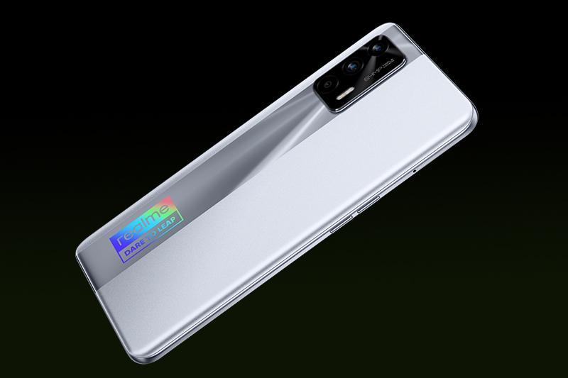 Realme GT Neo | Bộ khử nhiễu Pure Raw thế hệ mới AI+ cho phép bạn quay phim, chụp ảnh ban đêm