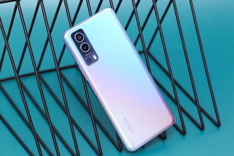 Điện thoại Vivo Y72 5G | Thiết kế mặt lưng sang trọng