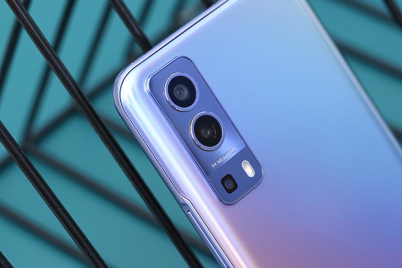 Điện thoại Vivo Y72 5G | Cụm 3 camera ấn tượng