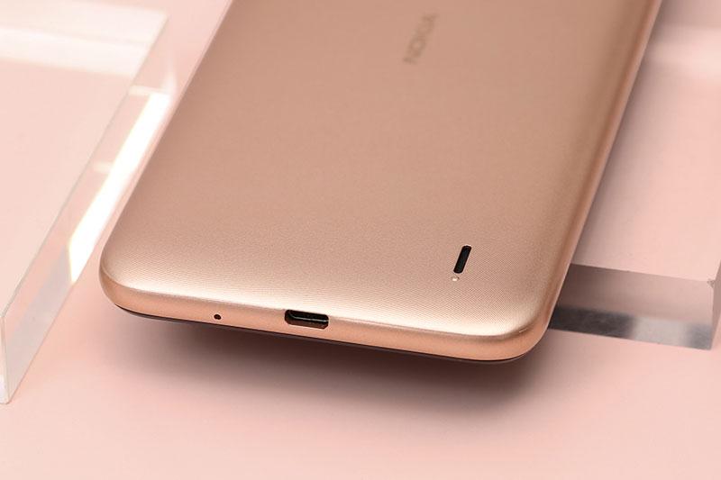 Nokia C20 | Viên pin 2950 mAh đáp ứng tốt cho khoảng 1 ngày sử dụng