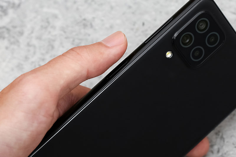 Được trang bị tính năng bảo mật vân tay - Samsung Galaxy A22 4G