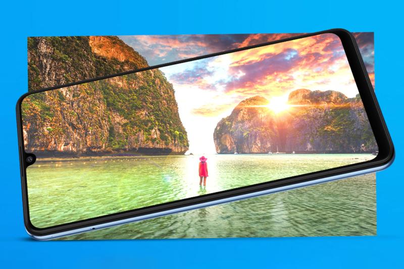 Trang bị màn hình Super AMOLED 6.4 inch - Samsung Galaxy M32