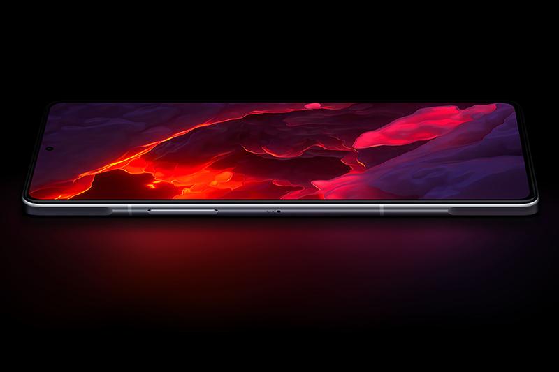 Xiaomi Redmi K40 Game Enhanced Edition | Sử dụng tấm nền OLED cho độ sáng tối đa 500 nits