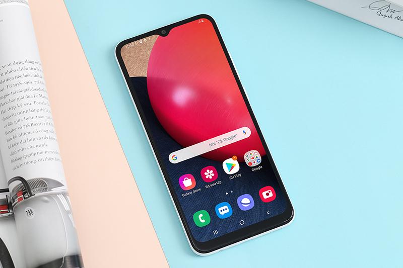 Thiết kế màn hình giọt nước kích thước lớn 6.5 inch | Samsung Galaxy A02s
