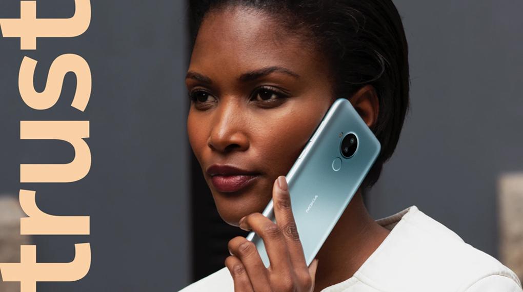 Kích thước nhỏ gọn dễ dàng mang theo - Nokia C30