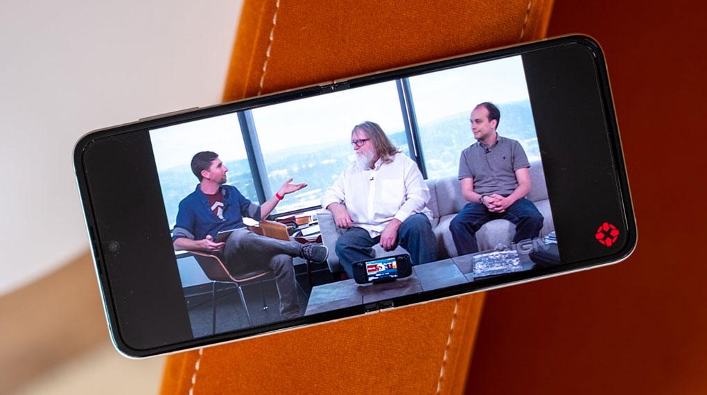 Samsung Galaxy Z Flip3 5G 256GB | Trải nghiệm xem video tuyệt đỉnh với công nghệ 5G