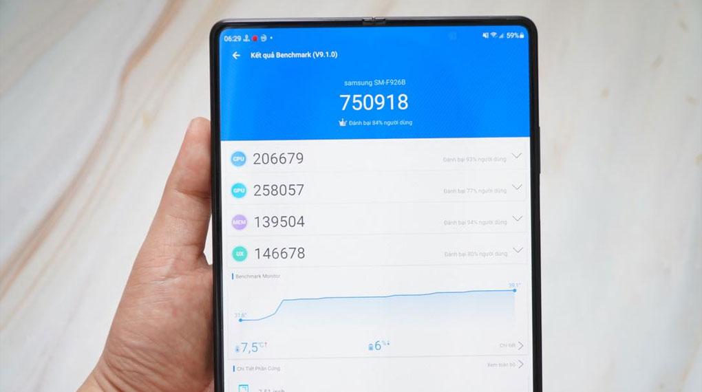 Samsung Galaxy Z Fold3 5G   Điểm Antutu ấn tượng