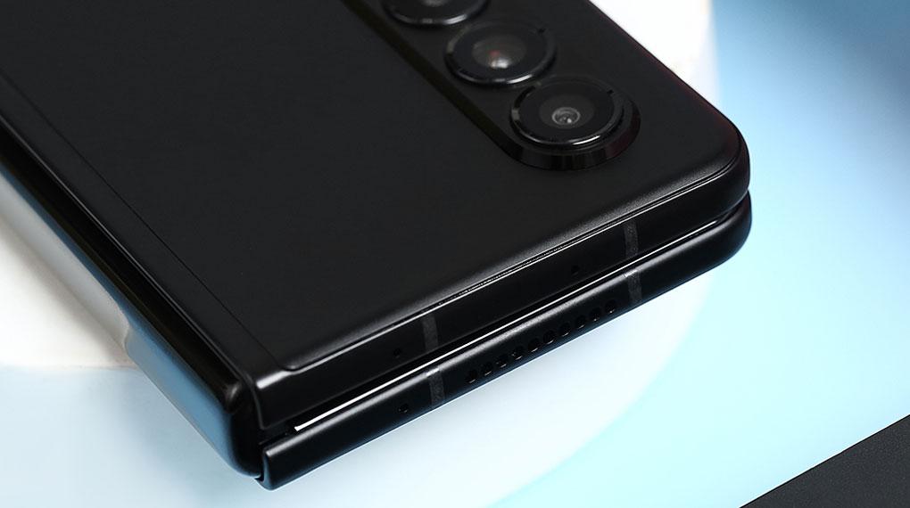 Samsung Galaxy Z Fold3 5G   Hệ thống loa kép, giải trí ấn tượng