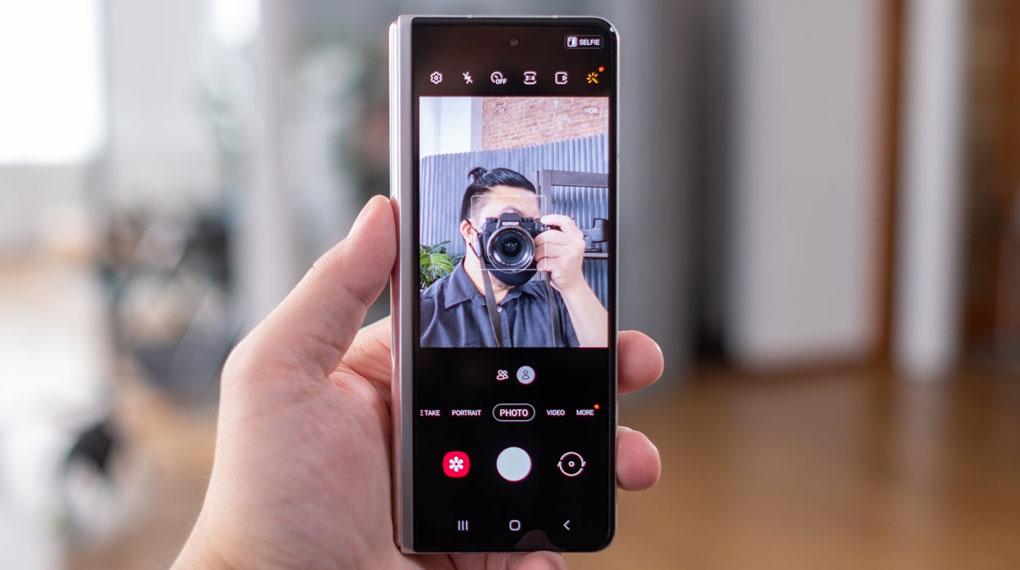 Samsung Galaxy Z Fold3 5G   Khả năng chụp ảnh selfie