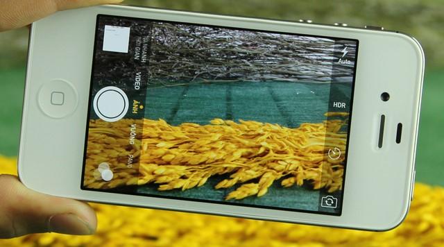 Giao diện chụp ảnh của iPhone 4s