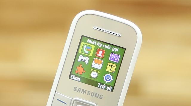 Màn hình điện thoại Samsung E1200