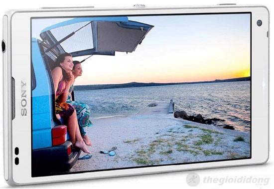 Màn hình 5 inch Full HD của Sony Xperia ZL hiển thị hình ảnh vô cùng sinh động