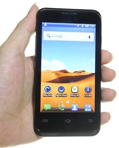 Mobell s58 với màn hình cảm ứng 4.0 inch và mặt sau màu bạc