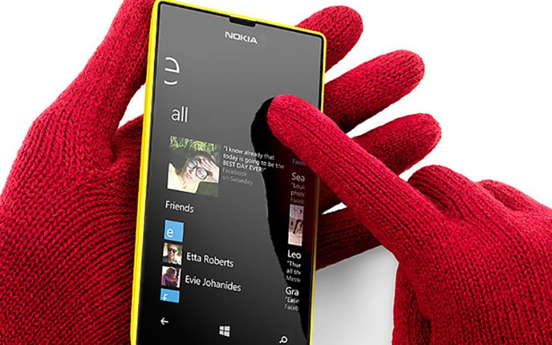 Màn hình 4 inches chống trầy công nghệ Sensitive Touch