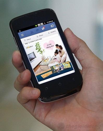 Q-Smart S5 cho khả năng lướt Facebook với kết nối WiFi tốc độ cao