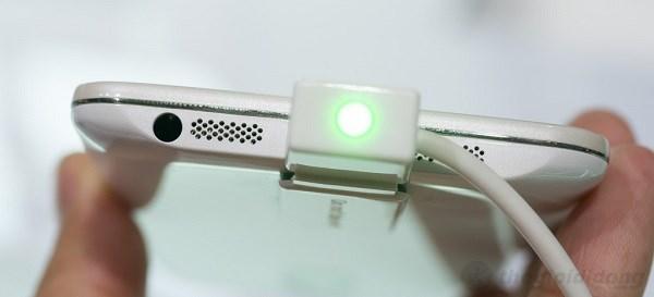 Jack 3.5, loa kép và cổng Micro USB LG G2