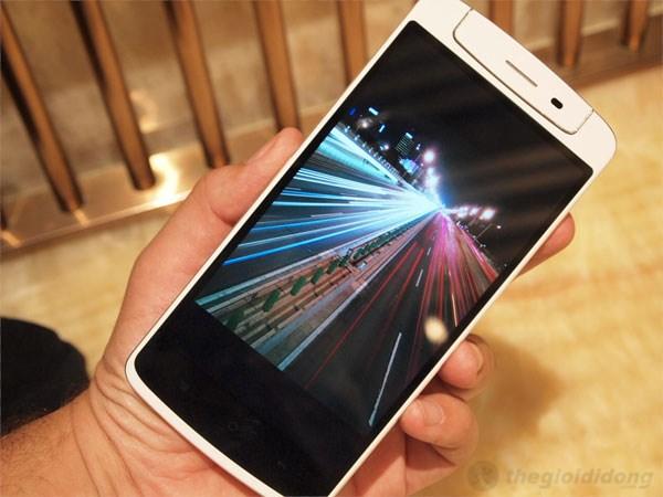 Chất lượng hiển thị xuất sắc trên màn hình 5.9 inch Oppo N1