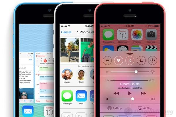 iPhone 5C được trang bị HĐH iOS 7 với phong cách thiết kế phẳng thời thượng