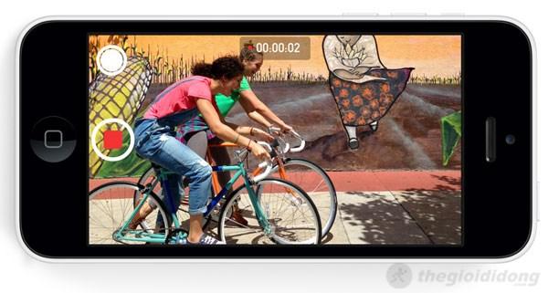 Với iPhone 5C, bạn có thể vừa chụp ảnh vừa quay phim cùng lúc