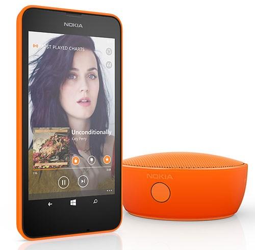 Lumia 630 màn hình 4.5inch IPS LCD ClearBlack