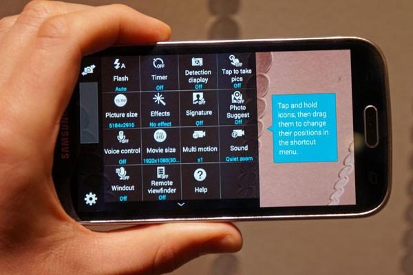 Samsung Galaxy K Zoom smartphone