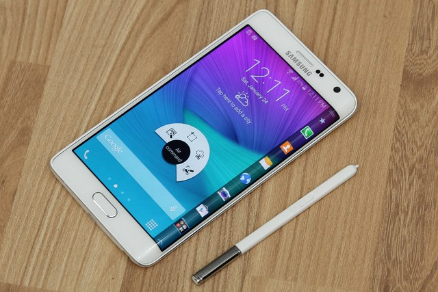 Thiết kế điện thoại Samsung Galaxy Note Edge