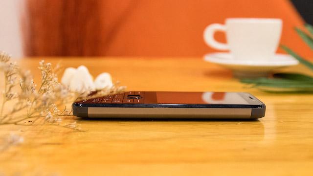 Thiết kế điện thoại Nokia 230
