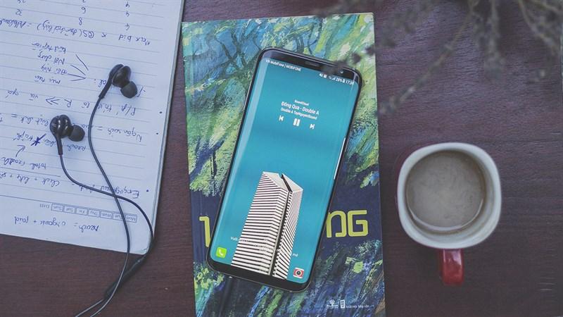 Samsung Galaxy S8 pin khung