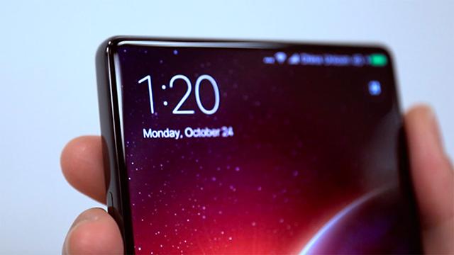 Bạn sẽ không thể tìm thấy phần loa thoại ở phía trên màn hình