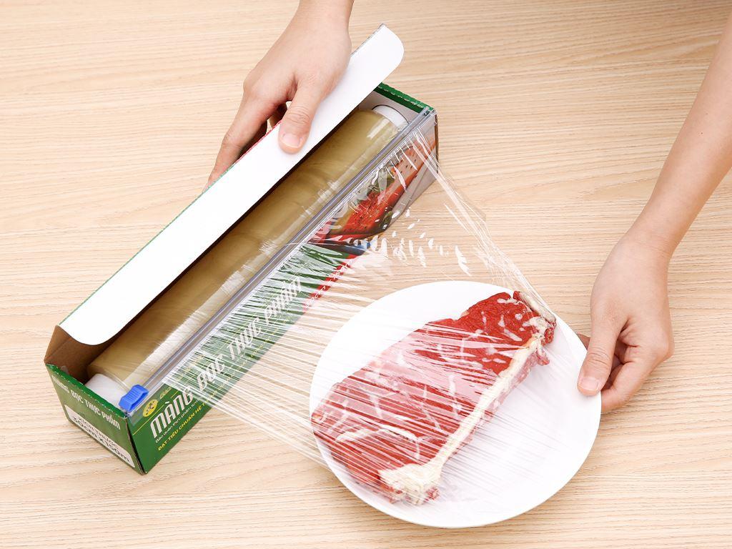 Màng bọc thực phẩm PVC Bách hóa XANH 30cm x 150m 3