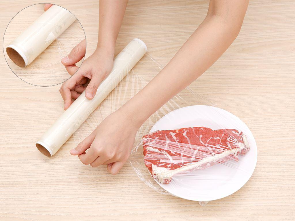 Lõi màng bọc thực phẩm PVC Bách hóa XANH 30cm x 30m 4
