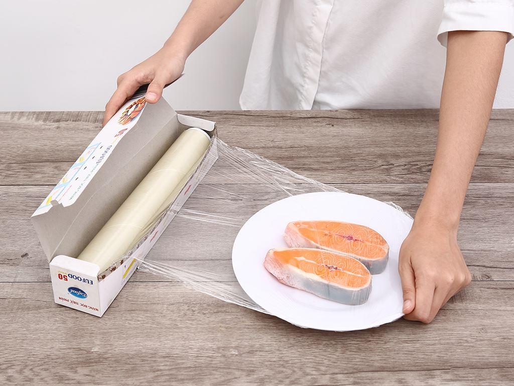 Màng bọc thực phẩm PVC Eufood 30cm x 50m 3