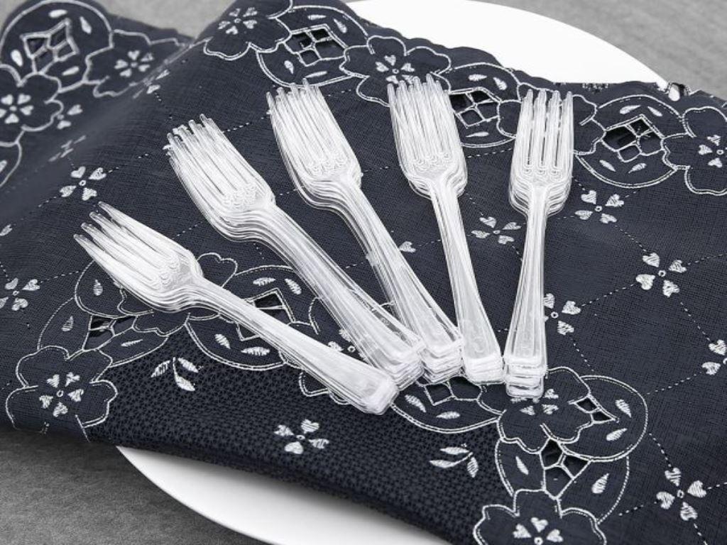 Nĩa nhựa trong Bách Hoá Xanh 10cm (20 cái) 3