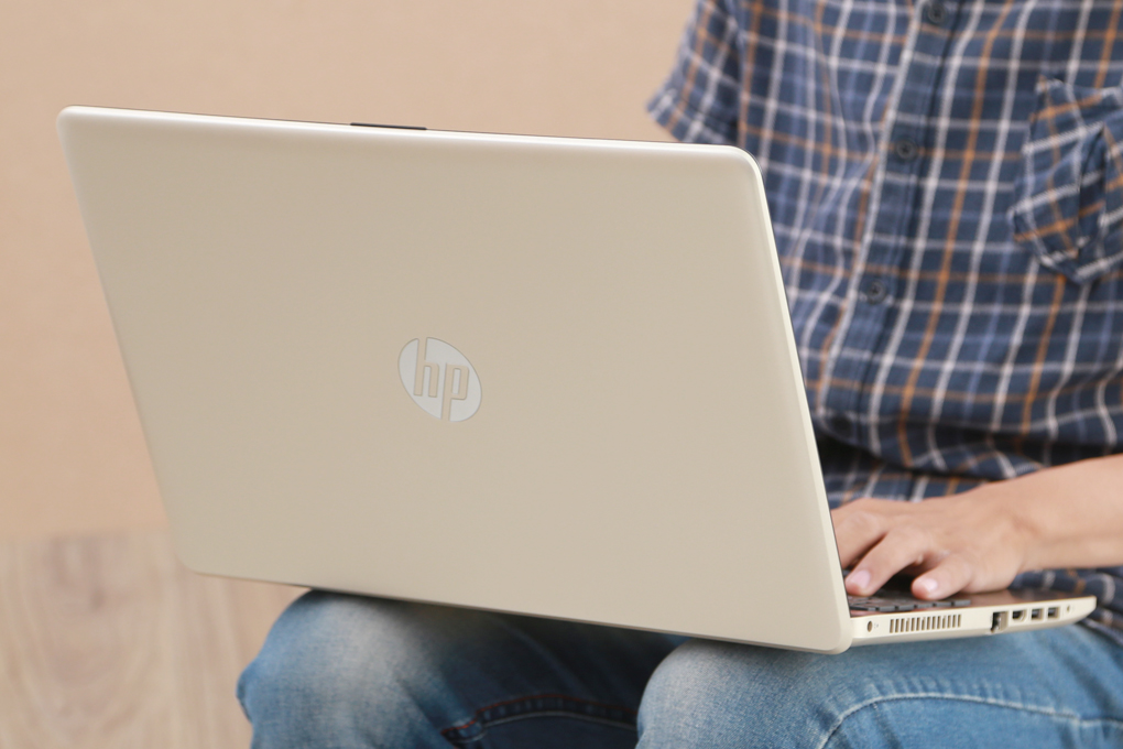 HP 15 bs573TU i5 7200U/4GB/1TB/Win10/(2JQ70PA)
