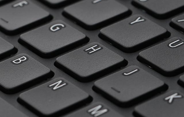 Acer Aspire A315 51 31X0 i3 6006U - Bàn phím có độ nảy tốt, nhận diện phím ấn nhanh