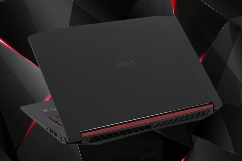 Thiết kế mạnh mẽ trên laptop gaming Acer Nitro 5 AN515 52 70AE