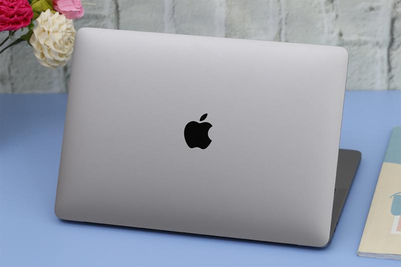 Thiết kế cao cấp trên Apple Macbook Pro 2018 13 inch Touchbar MR9Q2SA